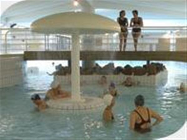 Le Forum de la Mer : piscine détente à l\'eau de mer avec spa Saint ...